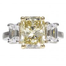 Fancy Light Yellow Radiant Cut Diamond Ring 4.05ct
