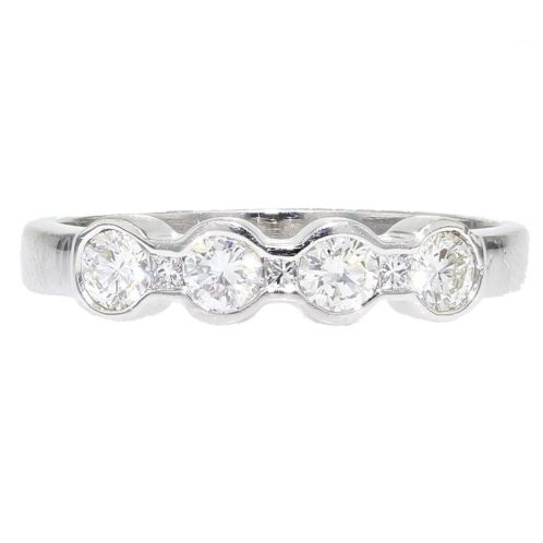 Brilliant & Princess Cut Wedding Ring